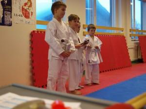 5-7 aastased võistlejad autasustamisel.